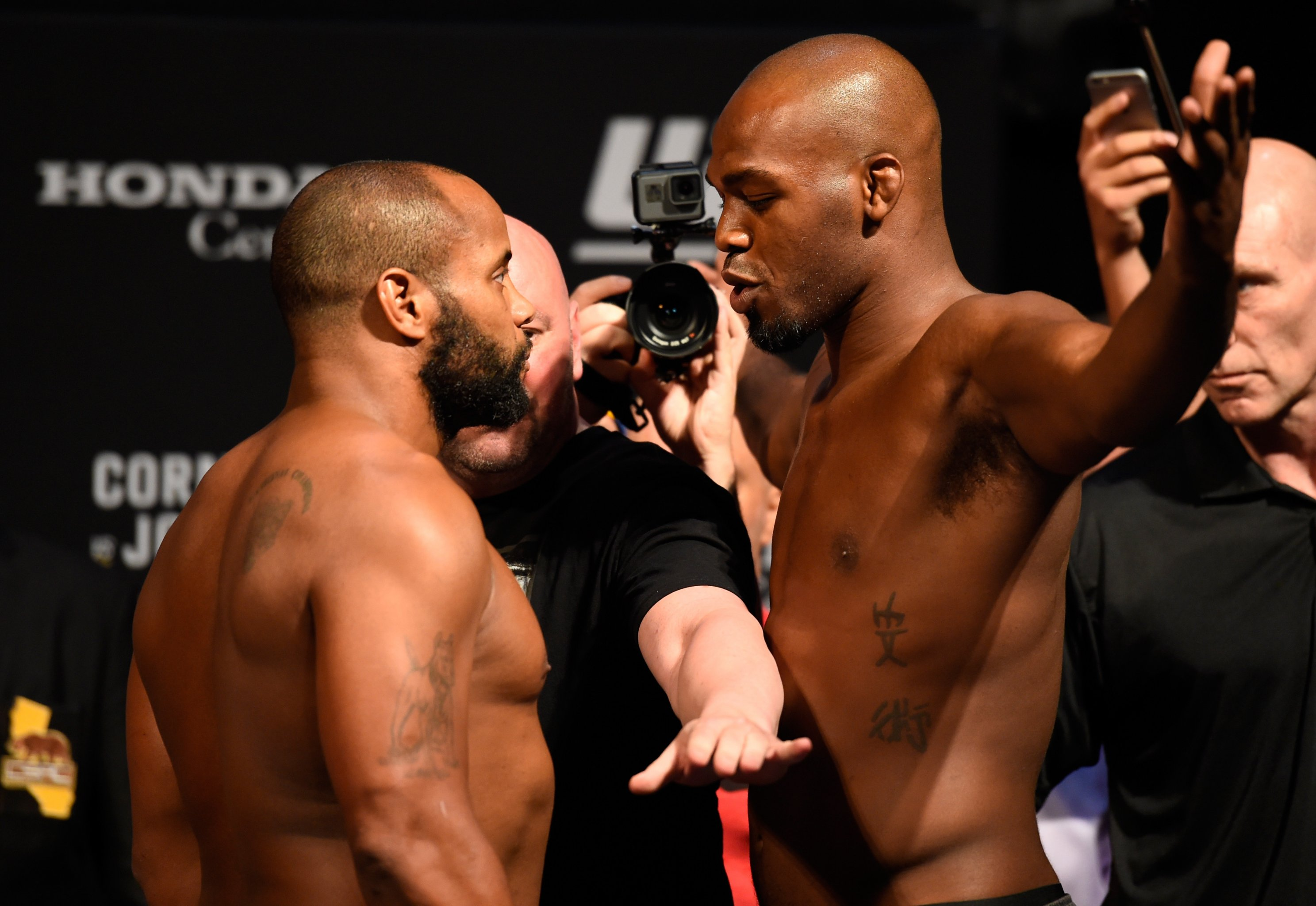 Jones vs. Cormier 2 |