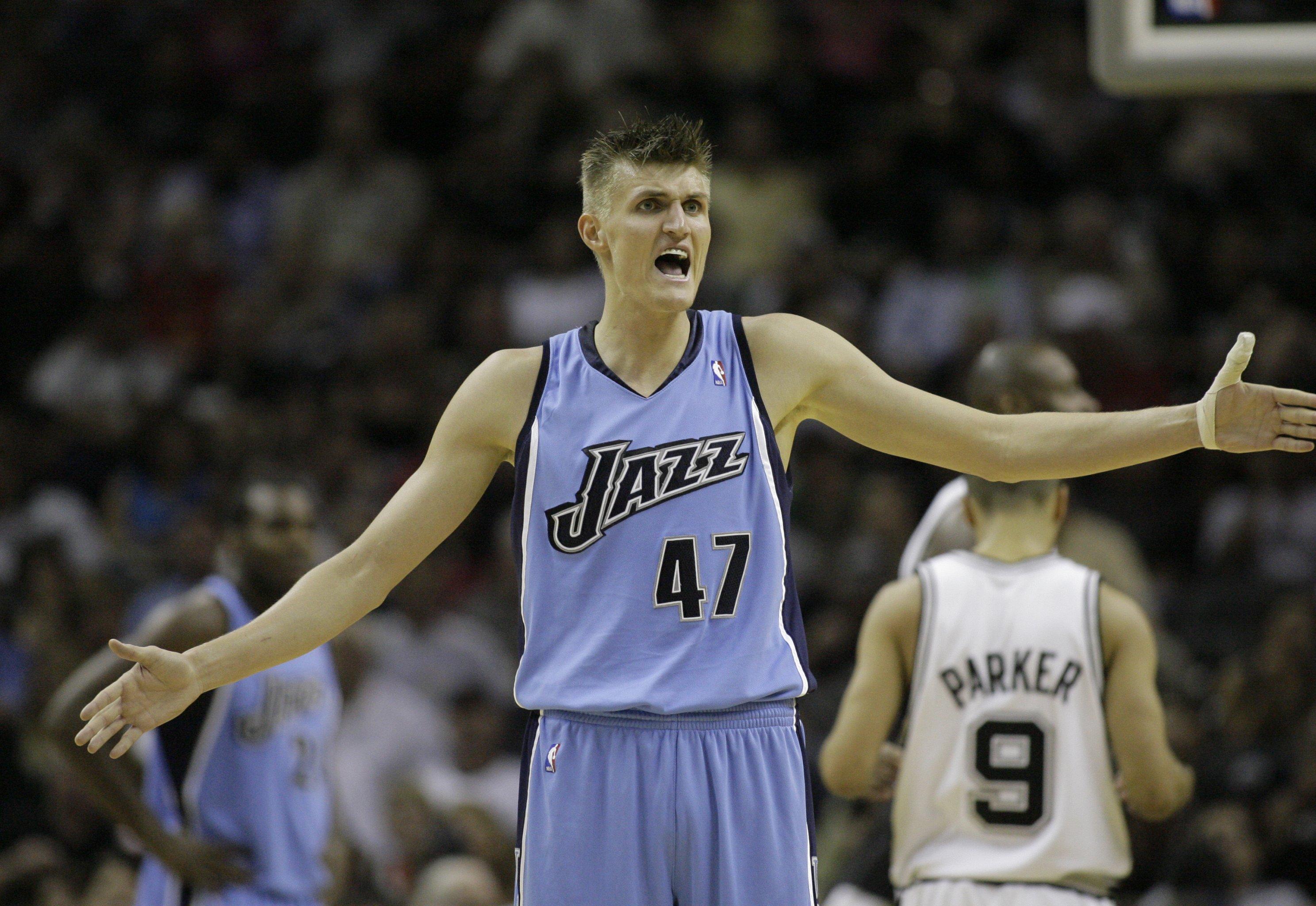 low priced 823e6 0621b Every NBA Team's Logical Next Jersey Retirement | Bleacher ...