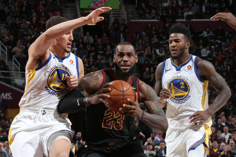 339b6657152432 Every NBA Contender s Odds of Landing LeBron James in 2018 Free Agency