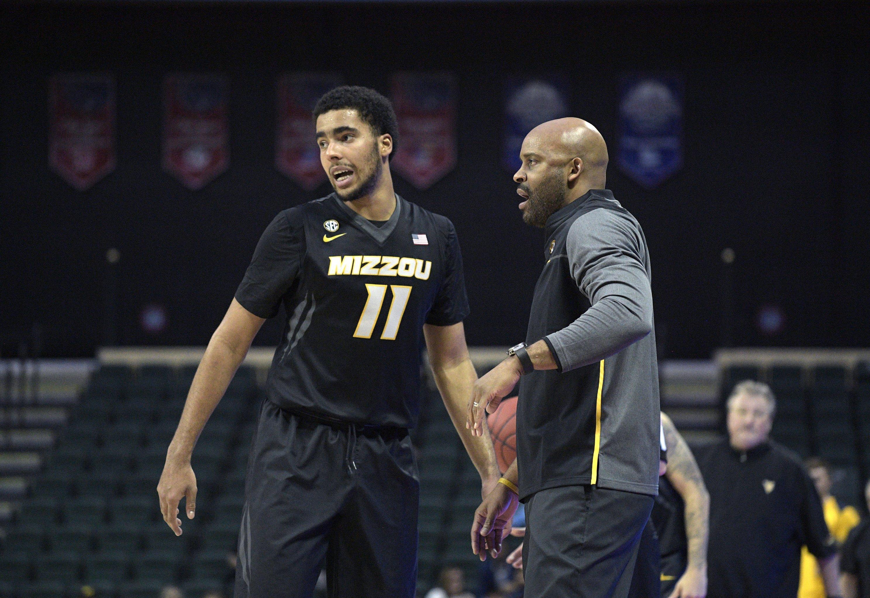 Way-Too-Soon 2019 NBA Mock Draft: R J  Barrett Early