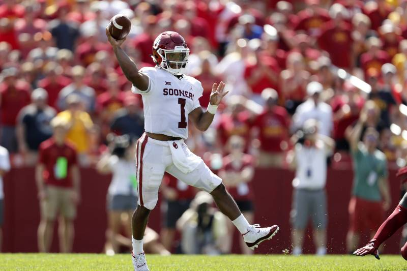 Way-Too-Early Ranking of 2018 Heisman Trophy Candidates