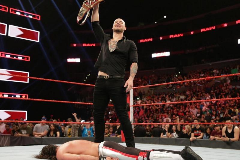 Breaking Down 4 Factors That Make a Good Heel in WWE Today