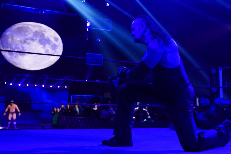 WWE Raw Fallout: Undertaker Return Reeks of Desperation and More Takeaways