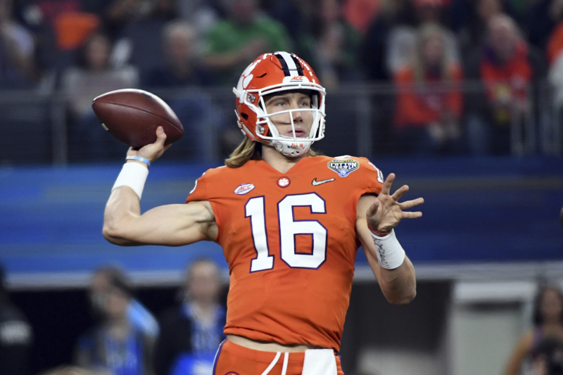 Projecting College Football Preseason Top 25 at the Start of Fall Camp