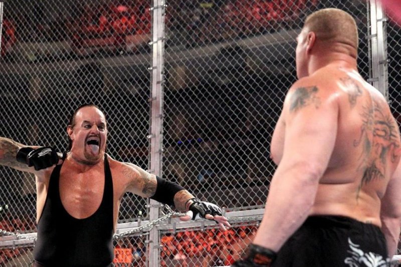 5 Most Legendary Moments in WWE Hell in a Cell PPV History