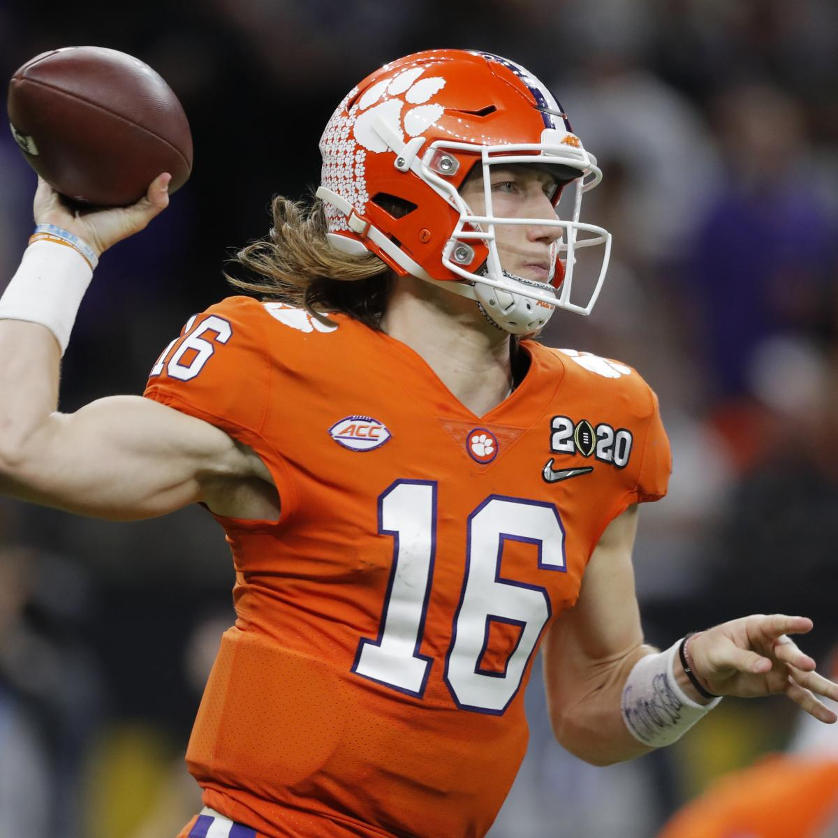 Ranking the Top 10 Quarterbacks Eligible for the 2021 NFL Draft